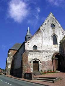 Lucheux (Somme)�: prieur� saint L�ger. Fa�ade
