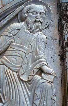 Villeneuve les Maguelone (Hérault): cathédrale saint Pierre. Saint Paul, partie gauche du portail. Réemploi du grand tympan