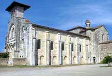 Moirax (Lot et Garonne): prieuré Notre Dame. Vue générale