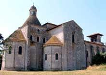 Moirax (Lot et Garonne): prieuré Notre Dame. Ensemble chevet et côté nord