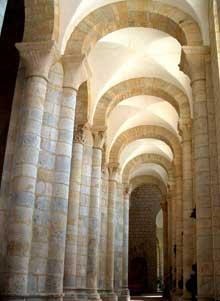 Moirax (Lot et Garonne): prieuré Notre Dame. Le bas côté sud