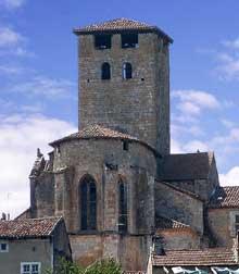Monsempron Libos (Lot et Garonne): église prieurale saint Géraud. Chevet et tour