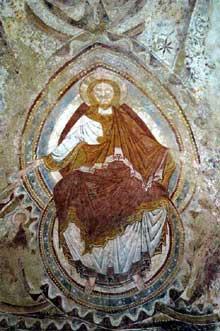 Montoire (Loir et Cher): le prieuré saint Gilles. Le Christ en gloire de l'absidiole sud