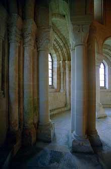 Morienval (Oise)�: abbatiale sainte Marie. Le transept