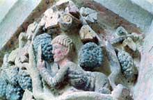 Mozac (Puy du Dôme): l'abbaye saint Pierre. Le chapiteau des Vendanges