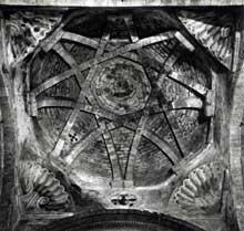 La coupole nervurée sur trompes de l'église sainte Croix d'Oloron