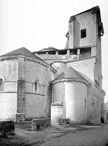 Oloron Sainte Marie (Basses Pyrénées): église Sainte Croix. Le chevet
