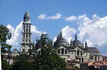 Périgueux: la cathédrale saint Front et ses coupoles