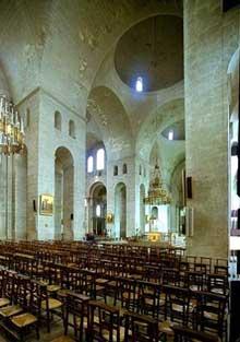 Périgueux: la cathédrale saint Front: l'intérieur