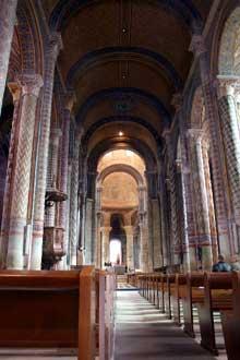 Poitiers, Notre Dame la Grande: la nef voûtée en berceau plein cintre