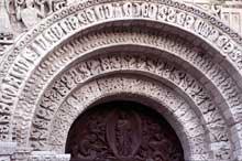 Poitiers (Vienne): Notre Dame la Grande: façade occidentale: voussures du portail central