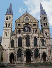 Reims: basilique saint Remi: la façade
