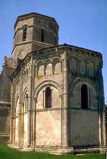 Rétaud (Charente Maritime): église saint Trojan. Le chevet