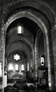 Royat (Puy du Dôme): le prieuré saint Léger. La nef