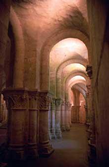 Saintes (Charente Maritime), saint Eutrope. L'église basse. Le déambulatoire