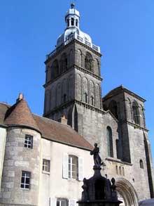 Saulieu (Cote d'Or), saint Andoche: la façade
