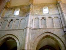 Saulieu (Cote d'Or), saint Andoche: élévation de la nef avec arcature aveugle à la place du triforium