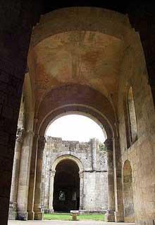 La Sauve Majeure (Gironde): abbaye Notre Dame de la Grande Sauve. Bas-côté sud
