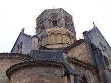 Semur en Brionnais: collégiale saint Hilaire: la croisée de l'église