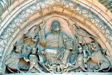 Semur en Brionnais: collégiale saint Hilaire: le tympan