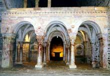 Boule d'Amont (Pyrénées Orientales): le prieuré Sainte Marie de Serrabone: la tribune