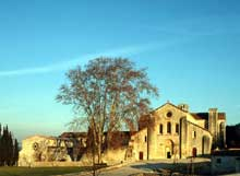 La Roque d'Anthéron (Bouches du Rhône): abbaye de Silvacane