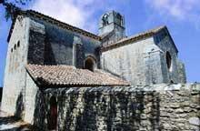 La Roque d'Anthéron (Bouches du Rhône): abbaye de Silvacane, l'église abbatiale, chevet et transept sud