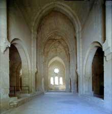 La Roque d'Anthéron (Bouches du Rhône): abbaye de Silvacane, l'église abbatiale, la nef