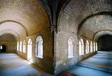 La Roque d'Anthéron (Bouches du Rhône): abbaye de Silvacane, le cloître