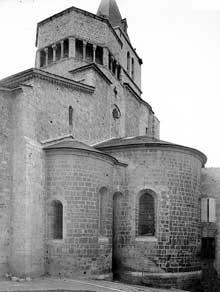 Sisteron (Basses Alpes): cathédrale Notre Dame: le chevet
