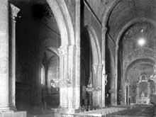 Sisteron (Basses Alpes): cathédrale Notre Dame: nef, chœur et bas côté nord