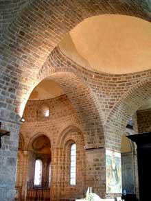 Solignac (Haute Vienne): l'abbatiale saint Pierre: coupole centrale