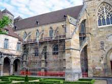 Souvigny (Allier): l'abbatiale Saint-Pierre et Saint-Paul. Côté sud