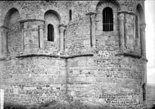 Saint Romain le Puy (Loire): le prieuré saint Romain. L'abside