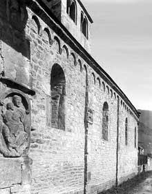 Saint Aventin (Haute Garonne): face sud l'église