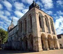 Saint Benoît sur Loire (Loiret): abbaye saint Fleury. Vue de l'abbatiale