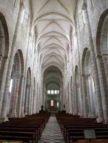 Saint Benoît sur Loire (Loiret): abbaye saint Fleury. La nef
