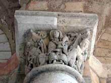 Saint Benoît sur Loire (Loiret): abbaye saint Fleury. Chapiteaux du porche: la fuite en Egypte