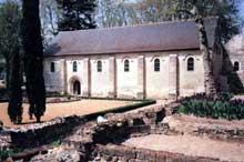 Saint Cosme (Indre et Loire): prieuré cistercien. Le réfectoire des moines
