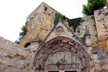 Saint Emilion (Gironde): église monolithe. Le portail gothique