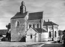 Saint Genou (Indre): l'église abbatiale