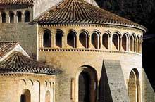 Saint Guilhem le désert (Hérault). Chevet de l'abbatiale, avant 1076