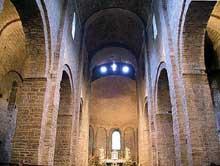 Saint Guilhem le Désert. La nef centrale