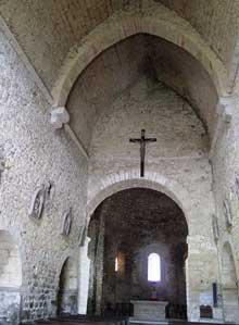 Saint Hymetière (Jura): l'église. La nef