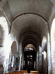 Saint Léonard de Noblat (Haute Vienne): la collégiale. La nef centrale