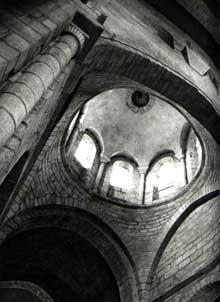 Saint Léonard de Noblat (Haute Vienne): la collégiale. La croisée
