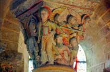 Saint Nectaire (Puy du Dôme): chapiteau de l'Apocalypse: ange et élus