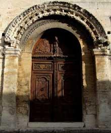 Saint Paul Trois Châteaux (Drôme): ancienne cathédrale: portail de la façade occidentale