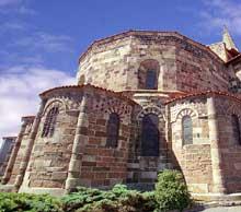 Saint Paulien (Haute Loire): collégiale saint Georges: le chevet