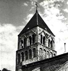 Saint Rambert sur Loire dans la Loire: l'église du XII
